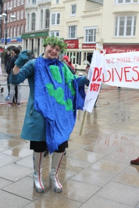 Di Vest @ the climate tug of war in Hastings Town Centre.